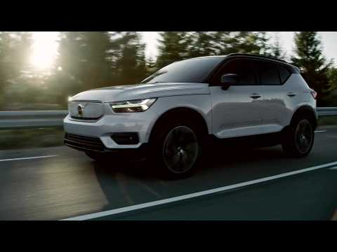 Volvo XC40 Recharge Driving Video