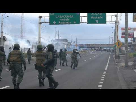 Indigenous people and armed forces clash in Ecuador during march