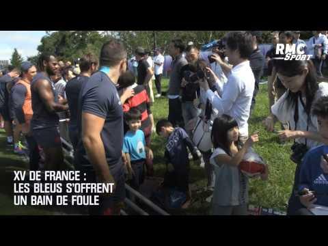XV de France : la superbe ambiance entre les Bleus et leurs supporters au camp d'entraînement