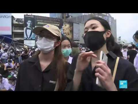 Thailand protests: Protesters defy Bangkok decree for second night