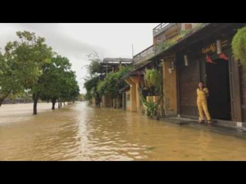 More than 1.2 million homes destroyed by central Vietnam floods