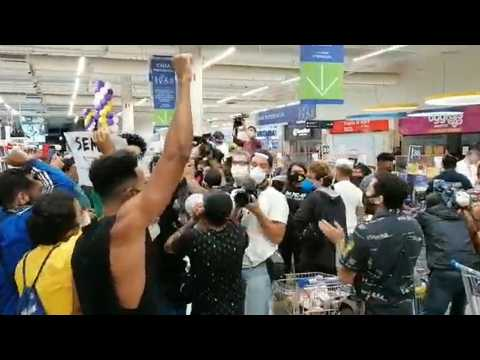 Rio: protest in Carrefour after death of black man beaten by security