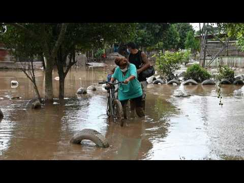 Hondurans return to their homes ravaged by Hurricane Iota