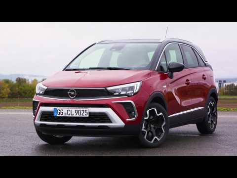 The new Opel Crossland Exterior Design in red