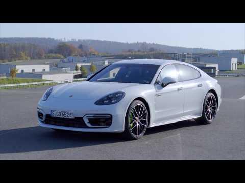 The new Porsche Panamera Turbo S E-Hybrid Design in Carrara White