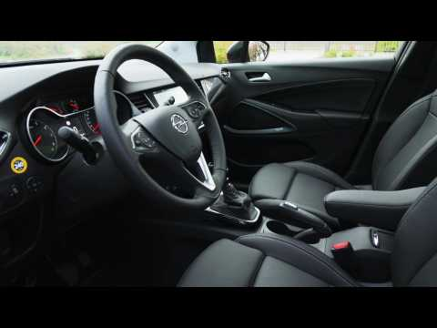 The new Opel Crossland Interior Design in red