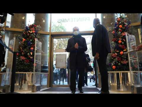 Paris department stores reopen