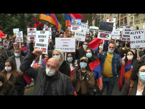 Protest to support Armenia and Karabakh in front of the Turkish embassy in Paris