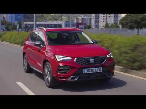SEAT Ateca FR in Velvet Red Driving Video