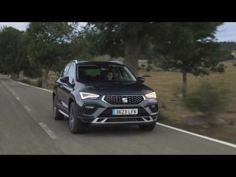 SEAT Ateca Xperience in Dark Camouflage Driving Video