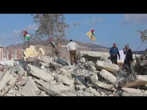 Israeli troops demolish house of Palestinian prisoner in West Bank