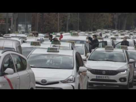 Madrid taxi drivers protest lack of support amid coronavirus crisis