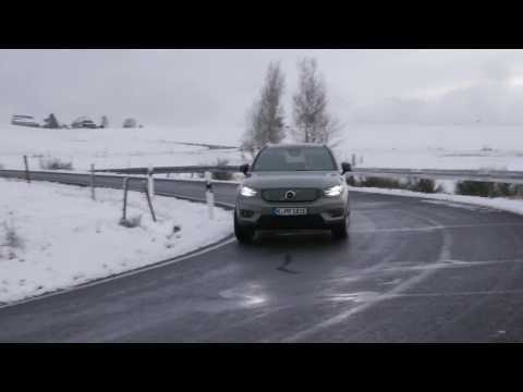 Volvo XC40 FWD - T3 R-Design Driving Video