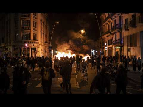 Pablo Hasel: Clashes at more Spain protests in support of arrested rap artist