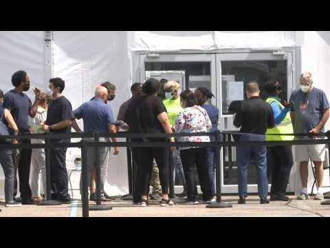 Covid-19: New FEMA vaccination site opens in Miami