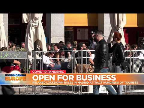 Open restaurants in Madrid attract hundreds of tourists from abroad