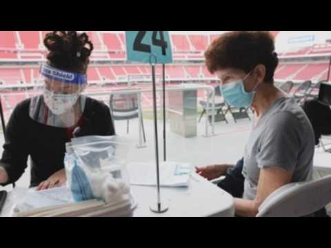 Mass COVID-19 vaccination site opens at Levi's Stadium
