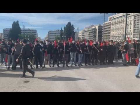 Greek students against new university law