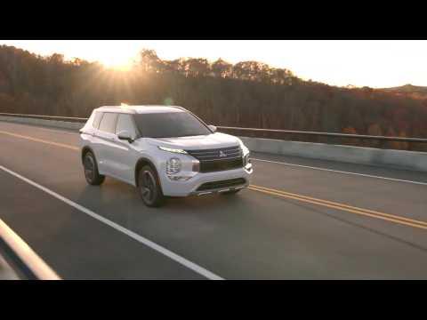 2022 Mitsubishi Outlander Driving Video