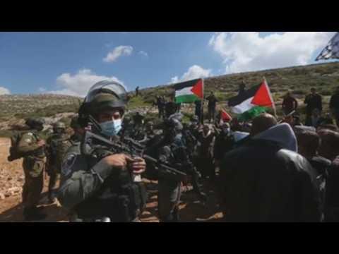 Israeli soldiers open fire on Palestinian demonstrators in West Bank