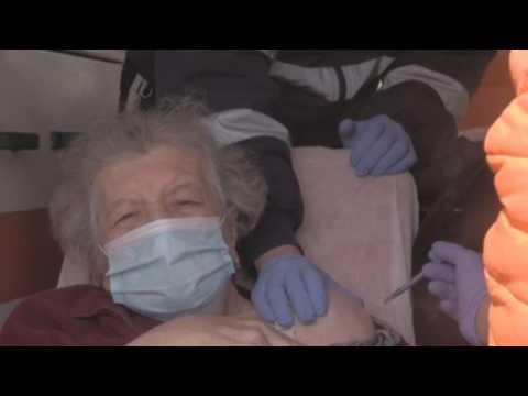 Initiative Brings Covid-19 vaccine to holocaust survivors