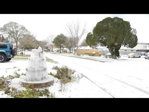 Arctic blast brings snow to Texas