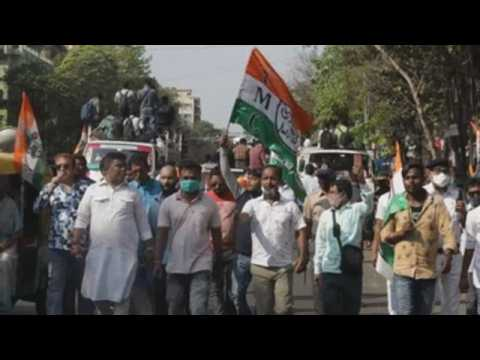 Bengal Minister leads rally ahead of the elections in Kolkata