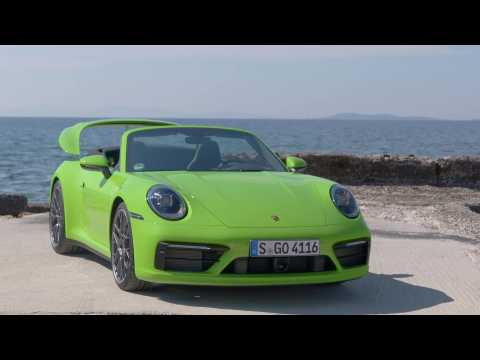 Porsche 911 Carrera 4S Cabriolet Design in Lizard Green