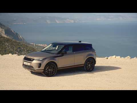 New Range Rover Evoque S derivative Design in Kaikoura Stone