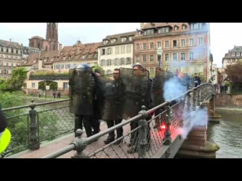 'Yellow Vest' protesters clash with police in Strasbourg
