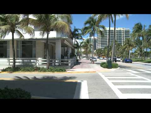 Empty streets after Miami Beach shuts down hotels, enacts curfew