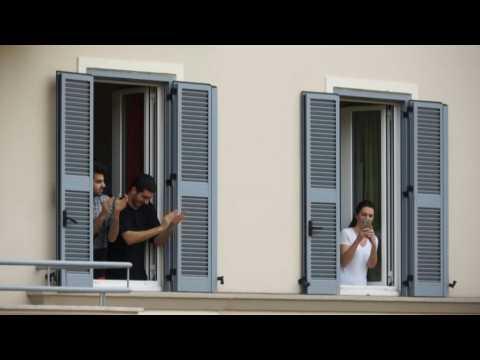 Europeans show solidarity with medical staff battling coronavirus outbreak