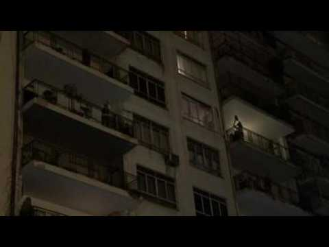 Argentinians protest from their balconies to call for release of prisoners due to COVID-19