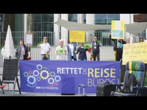 Tourism agencies protest in front of German chancellery