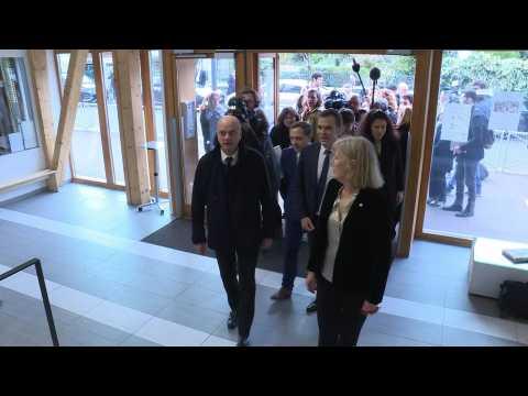 Coronavirus: French ministers visit school amid coronavirus outbreak