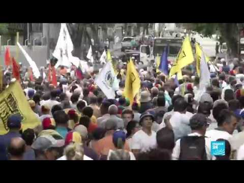 Venezuela: Protesters clash with police