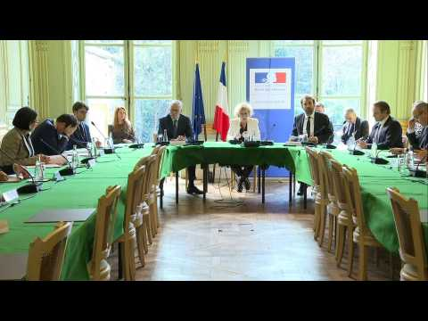 Coronavirus: French ministers hold meeting with labour unions