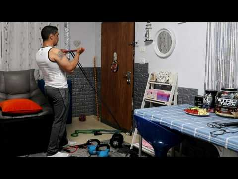 Coronavirus: Palestinian bodybuilder trains at home due to lockdown