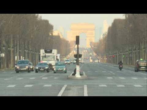Near empty streets as Paris awakes on day 2 of coronavirus shutdown