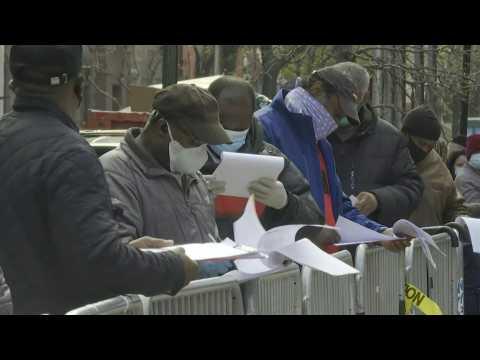 New York: Coronavirus testing site opens in Harlem