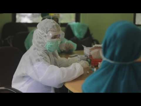 Indonesian health authorities carry out rapid COVID-19 tests in Aceh
