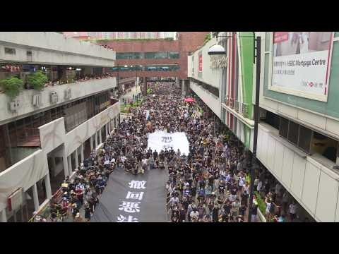 Thousands march in latest Hong Kong anti-extradition march