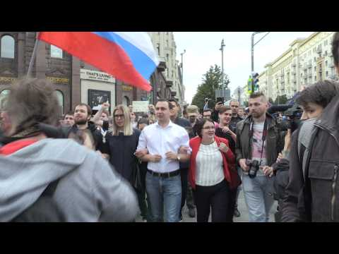 Moscow opposition fights to get on local ballot