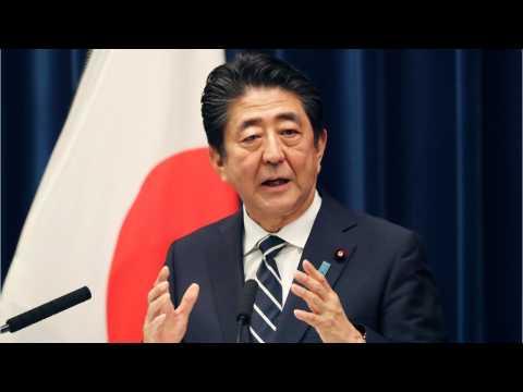 Japan's Abe Hopes U.S., China Resolve Trade War Through Constructive Talks