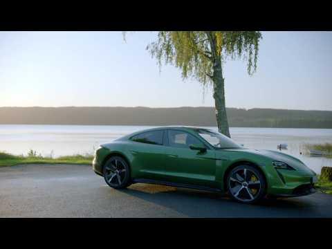 The new Porsche Taycan Turbo S Design in Mamba Green