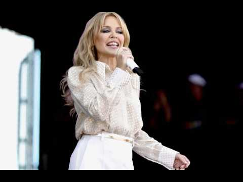 Kylie Minogue donates $500k to Australian relief effort
