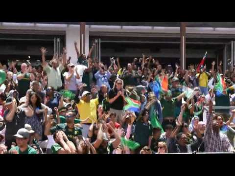 Springbok fans celebrate first try in Rugby World Cup final against England