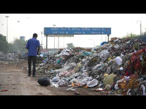 India's war on plastic hits hurdles amid industry fears