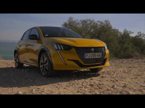 Peugeot e-208 GT – Test drive and Full Review