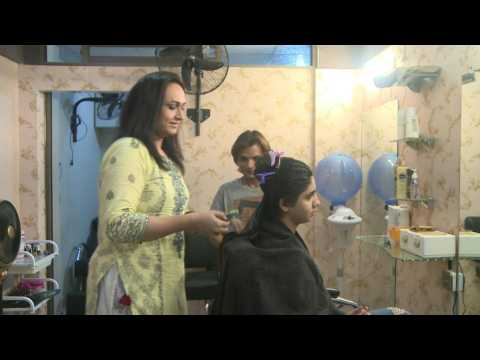 The hair salon changing how transgenders are seen in Pakistan